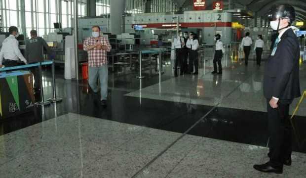 İstanbul Havalimanı'nda hijyen ekibi işbaşında