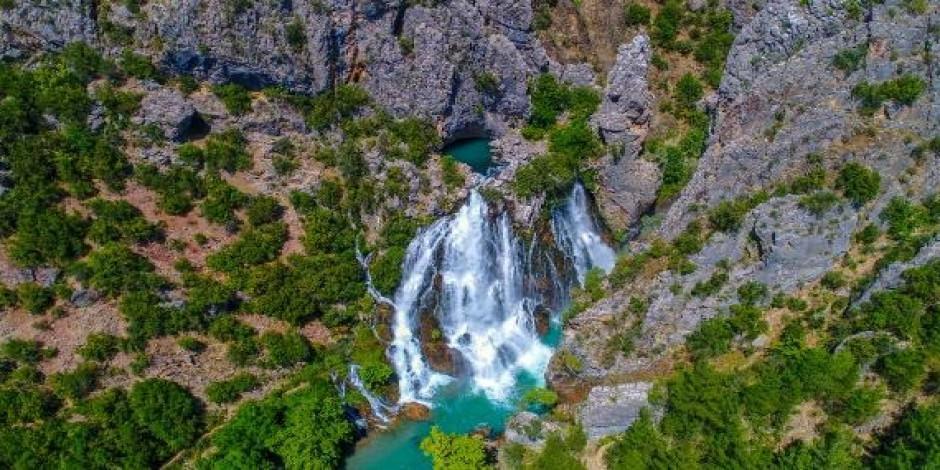 Antalya'nın 'gizemli güzelliği' Uçansu Şelalesi