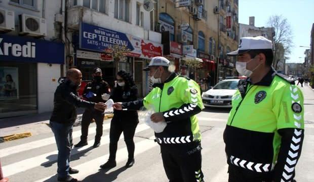 Hangi illerde maskesiz sokağa çıkmak yasak? Sokakta maske takmak zorunlu mu cezası kaç TL?