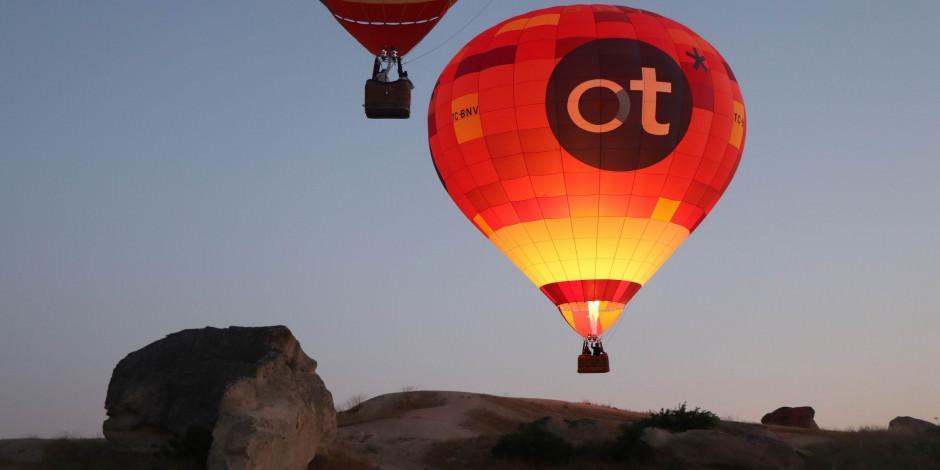 Kapadokya'da gökyüzü balonlarına kavuştu