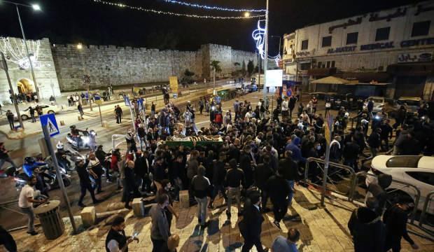 Katil İsrail polisinin şehit ettiği zihinsel engelli Hallak toprağa verildi