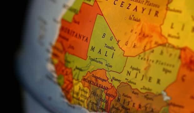 Mali'de vahşet! 26 kişiyi katledip, tüm köyü ateşe verdiler