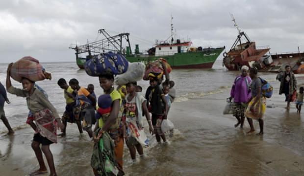 Mozambik'te yolcu taşıyan tekne battı: 13 ölü