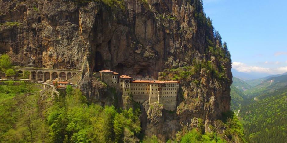 Sümela Manastırı kapılarını ziyaretçilerine açtı