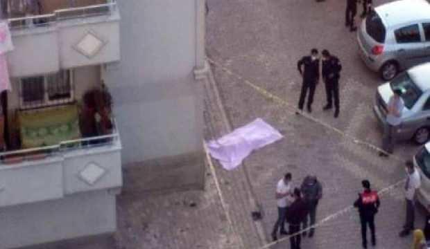 6'ncı katta cam silerken düşen kadın öldü