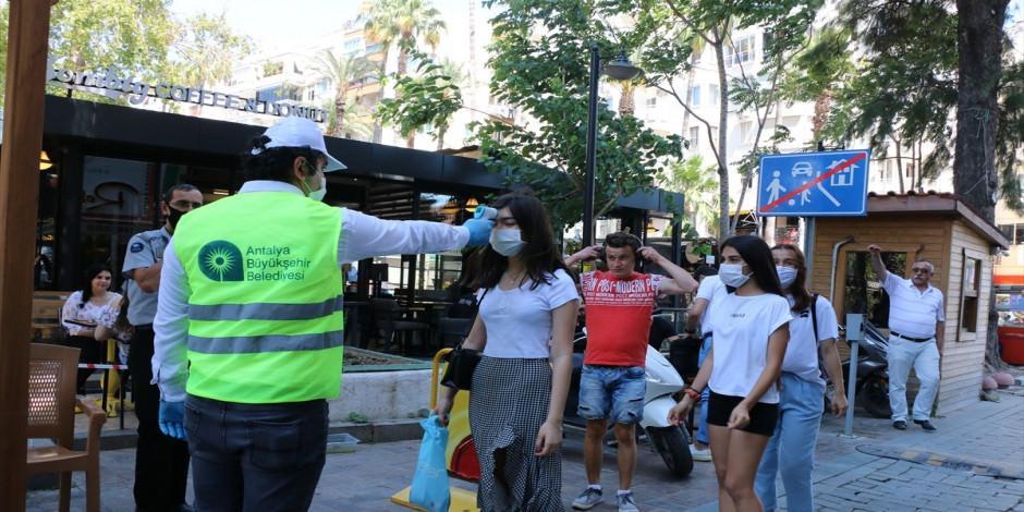Tarihi Kaleiçi'ne girişlerde maske takmak artık zorunlu