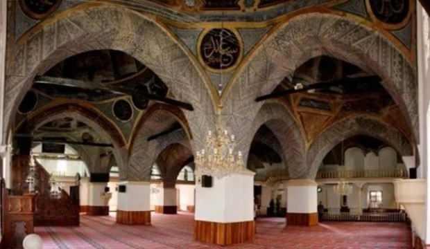514 yıllık Nasrullah Camii'ne restorasyon yerine badana yapıldı iddiası