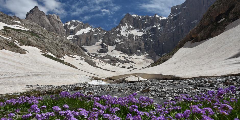 Cennet Cehennem Vadisi'nde yaz ve kış bir arada