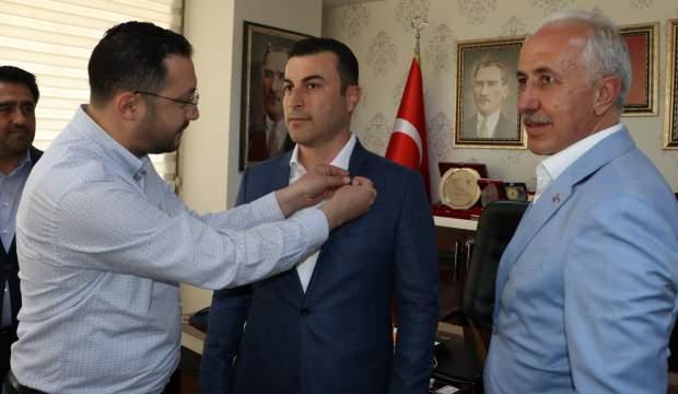 CHP'li eski belediye meclis üyesi AK Parti'ye katıldı - GÜNCEL ...