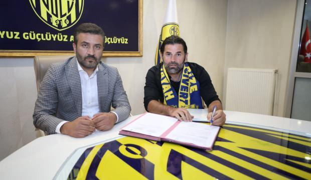 İbrahim Üzülmez'den 6 maç +1 yıllık imza!