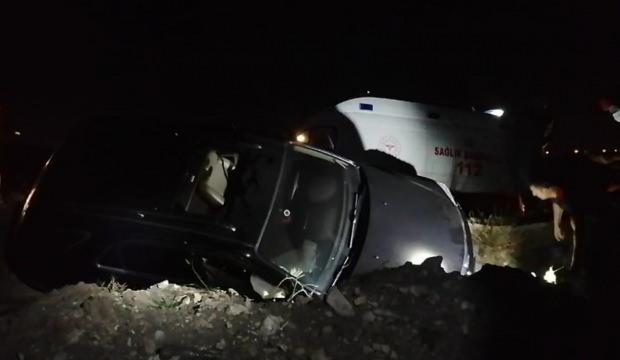 Kocaeli'de otomobil kanala devrildi: 2 yaralı