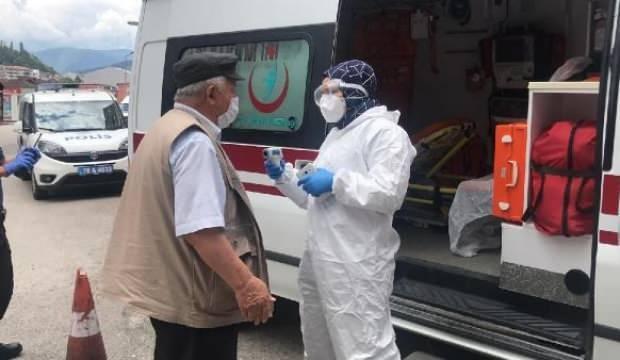 Minibüsteki yolcunun koronavirüs olduğunu zannedip polisi aradılar