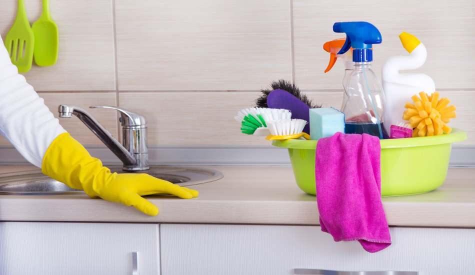 Mutfak fayansları nasıl temizlenir? Doğal yöntemlerle mutfak fayansı lekeleri temizleme