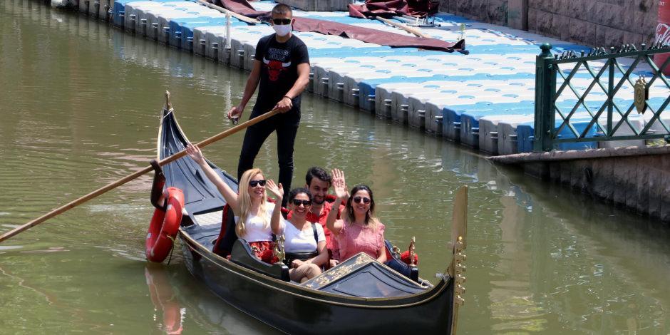 'Türkiye'nin Venedik'inde gondol ve bot seferleri yeniden başladı