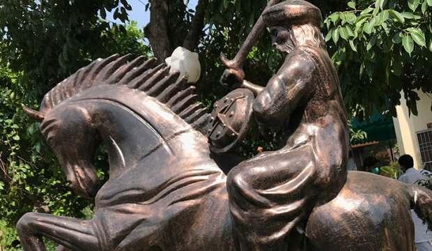 Ülkede 'Diriliş' fırtınası! Ertuğrul Gazi'nin heykeli dikildi