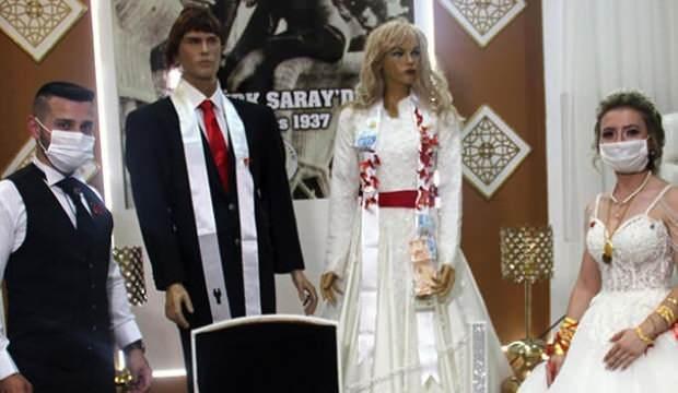 Cansız mankenlerle düğün! Takılar mankene