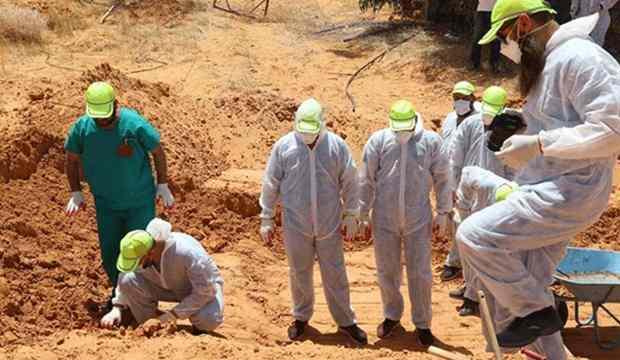 Darbeci Hafter'in katliamları ortaya çıkıyor: Toplu mezarlardan 6 ceset daha çıkarıldı