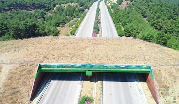 Dört köprünün üçüncüsünün yapım çalışmaları sürüyor