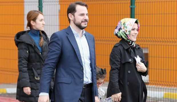 Esra Albayrak'a çirkin sözlere sert tepki: Mehmet Akif'in bahsettiği enkazı leşler!