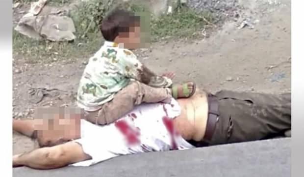 Keşmir'deki çocuğun bu fotoğrafı infial yarattı