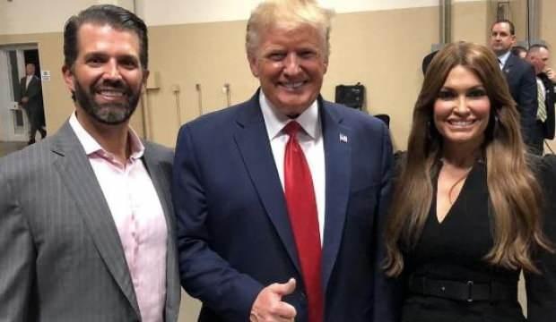 Junior Trump'ın kız arkadaşı koronavirüse yakalandı