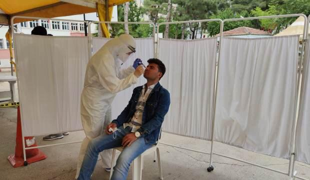 Koronavirüs taramasında yılan paniği