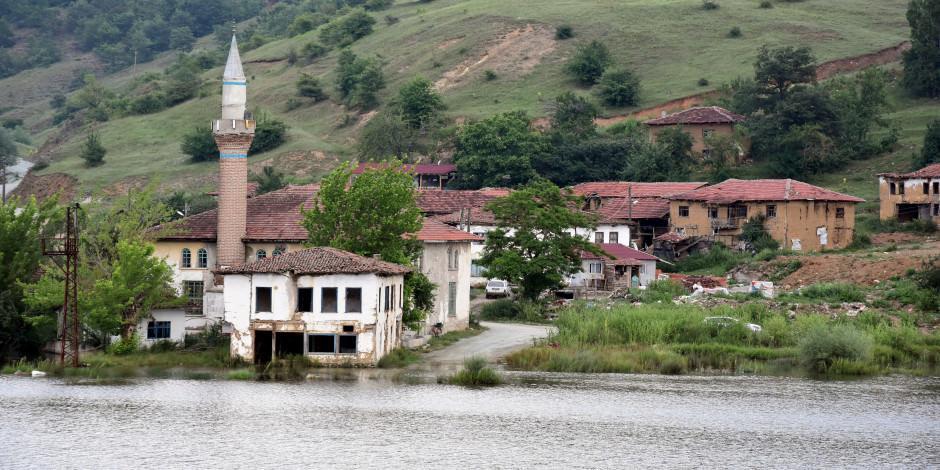"""Osmanlı'nın sular altındaki """"sessiz köy""""ü turizme kazandırılacak"""