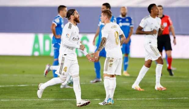 Real Madrid şampiyonluk yarışında büyük avantaj sağladı!