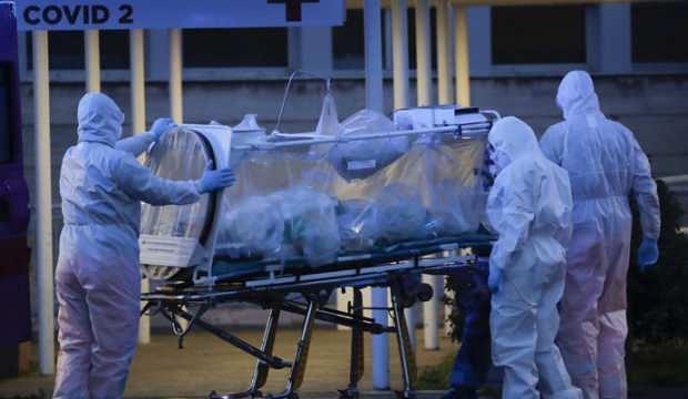 ABD'de Kovid-19 sebebiyle son 24 saatte 906 kişi öldü