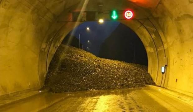 Artvin- Erzurum yolu heyelan sonucu kapandı