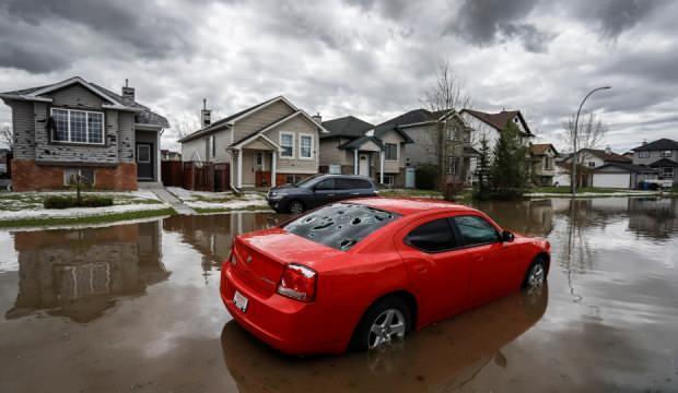Dolu felaketi Kanada'yı yıktı geçti