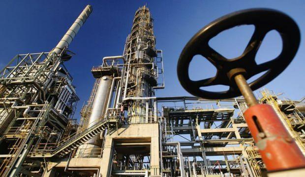 Küresel petrol arzı 9 yılın en düşük seviyesinde