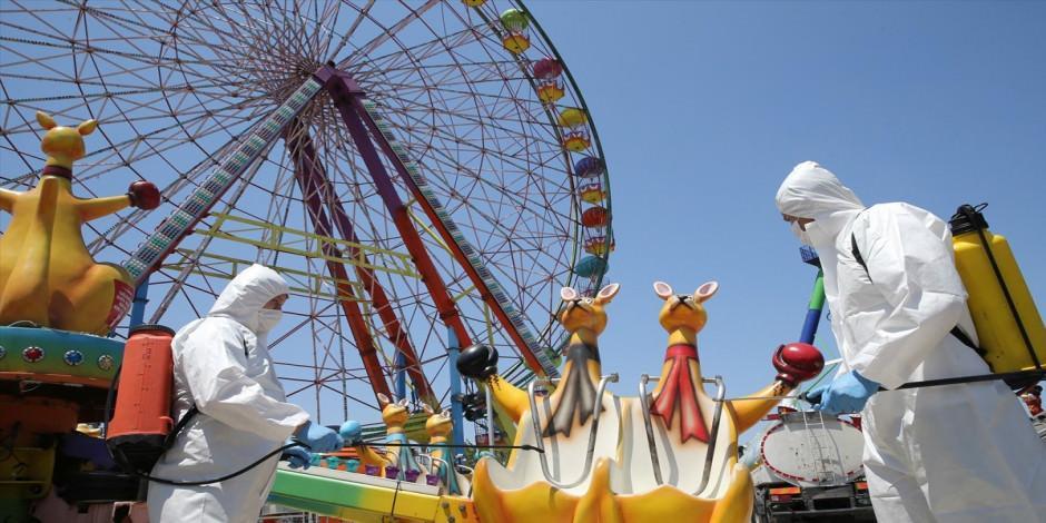 """Lunapark ve tematik parklar """"kontrollü sosyal hayat"""" çerçevesinde açıldı"""