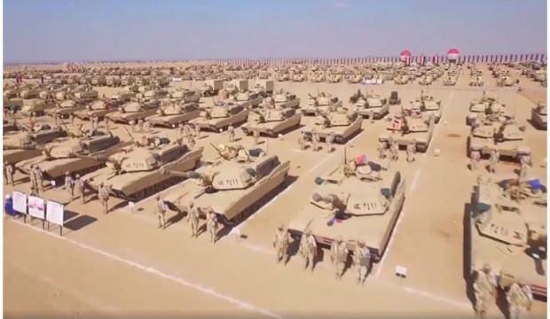 Mısır ordusu, Libya sınırında askeri tatbikat gerçekleştirdi