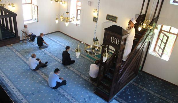 Tarihi camide 15 yıl sonra ilk namaz!