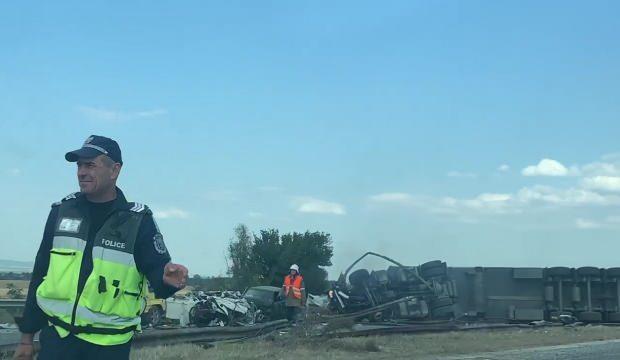 Bulgaristan'da feci kaza! TIR 5 aracı biçti - DÜNYA Haberleri