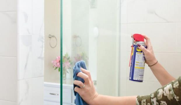 Sararan duşakabin nasıl temizlenir? Diş macunu ile duşakabin temizliği...