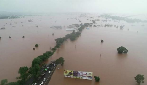 Hindistan'ın sel ve toprak kaymalarında 42 kişi öldü