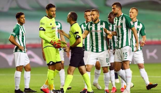 'Konyaspor bir alt ligi hak etmiyor!'