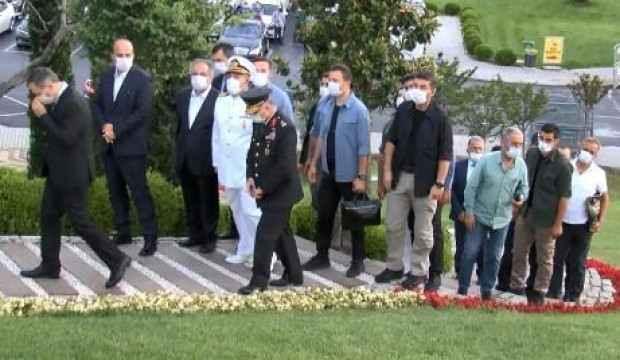 Vali Yerlikaya 15 Temmuz Şehitler Anıtı'nı ziyaret etti