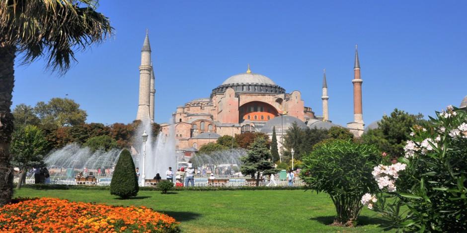 Ayasofya Camii hakkında her şey: 1500 yılla yakın tarihi geçmişe sahip