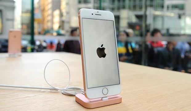Apple, Çin'de iPhone satışlarını yüzde 225 artırdı