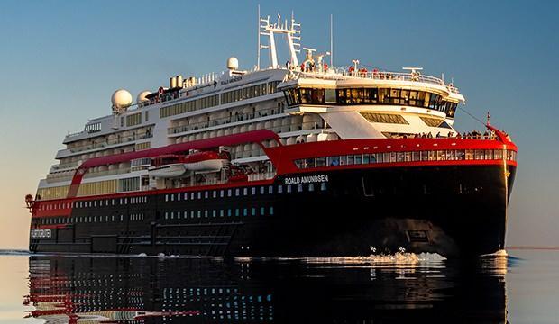 Dev kruvaziyer gemide korona paniği! 33 personelin testi pozitif çıktı