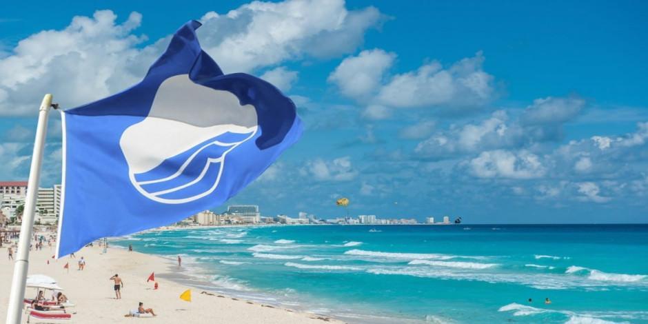 Turizm cenneti Kaş'ta 2 plaja  Mavi Bayrak