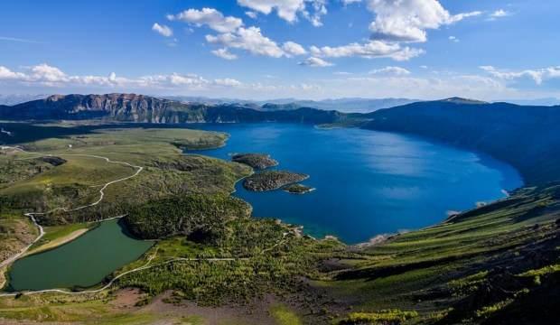 'Yeryüzü cenneti' Nemrut Krater Gölü