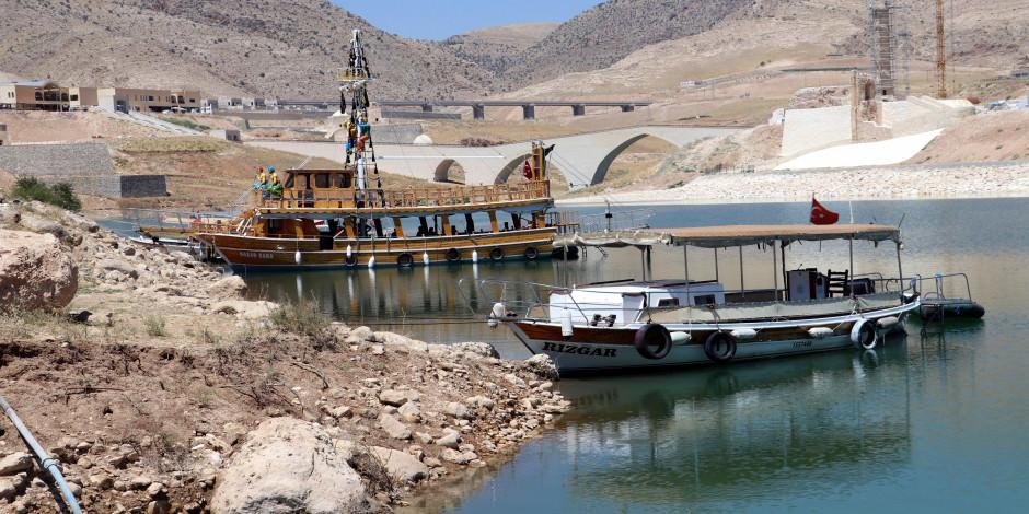 12 bin yıllık Hasankeyf teknelerle gezilecek
