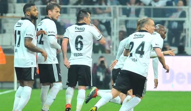 Beşiktaş'ta 3 yıldızla yolları ayırma kararı