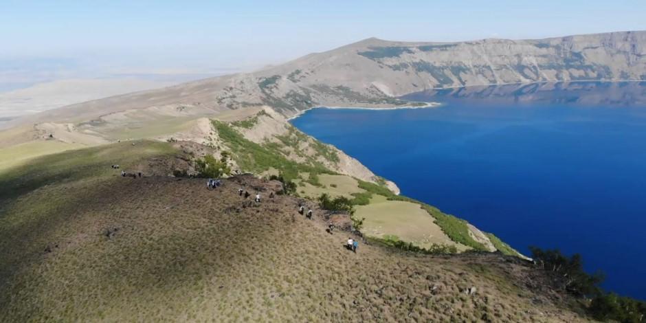 Dünyanın 2. büyük krater gölü Nemrut'ta yürüyüş