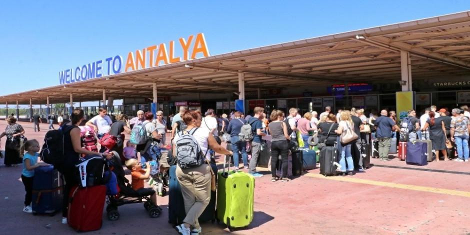 İngiliz turistler Türkiye'de mutlu