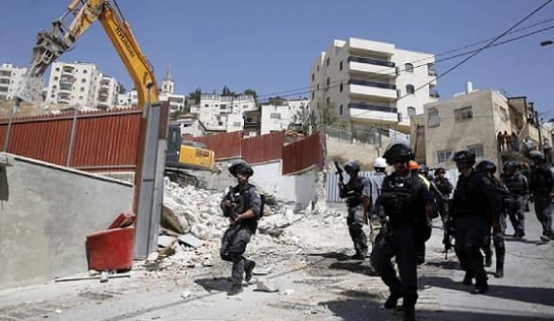 İsrail, Filistinlilere ait evleri yıkmaya devam ediyorc